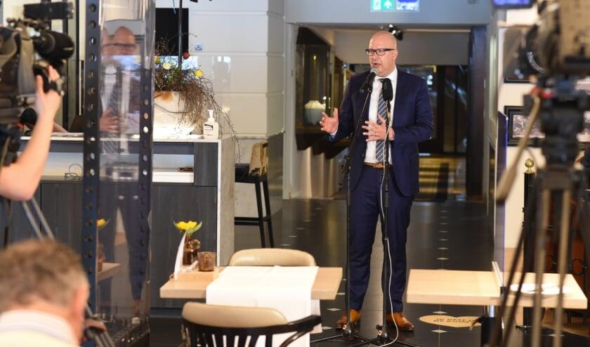 De Bossche Burgemeester Jack Mikkers presenteerde eerder in de lobby van Hotel Central de plannen voor de Bossche Zomer van 2020. Foto: Henk van Esch Fotografie