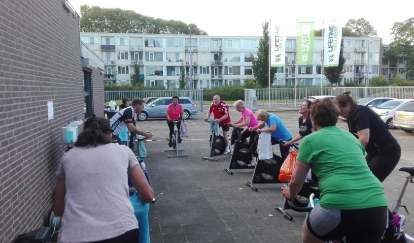 Groepslessen in IJsselmonde. Gewoon lekker buiten sporten, dat kan ook als je gesloten bent.