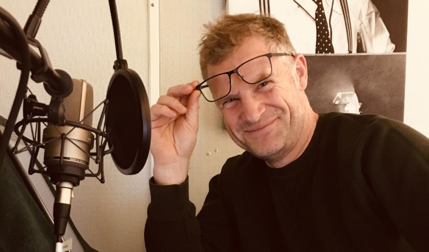 Bart Oomen in de studio