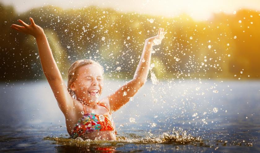 Meisje in het water