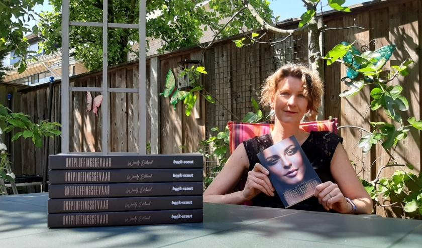 Wendy Eerland trok zich een winter lang terug in de kinderspeelkamer om haar debuutthriller  Ontploffingsgevaar te schrijven. (Foto: Leon Holweg)