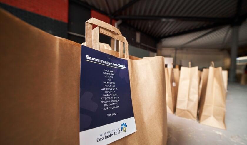 <p>De tassenactie was een van de succesvolle activiteiten van Winkelcentrum Enschede Zuid. (Foto: Melvin Winkeler)&nbsp;</p>