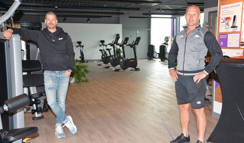 Jeffrey Staring (links) en Sander Raven in een nu nog lege sportzaal. (Foto: Dick van der Veen)