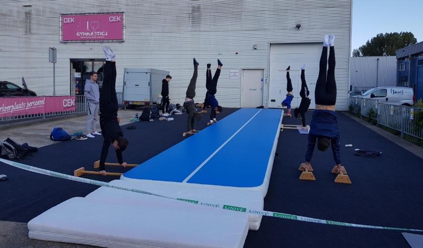 De trainingen worden op diverse plekken buiten gegeven. (Foto: pr)