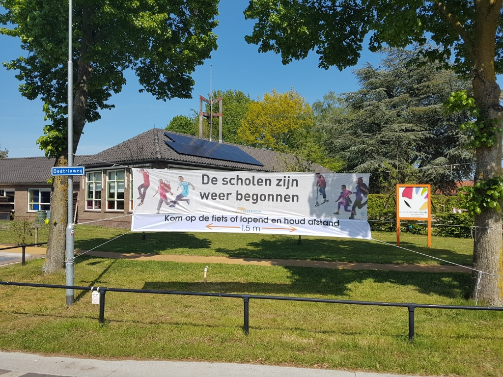 Spandoek Jenaplanschool Heerde Foto: Astrid van der Windt © DPG Media