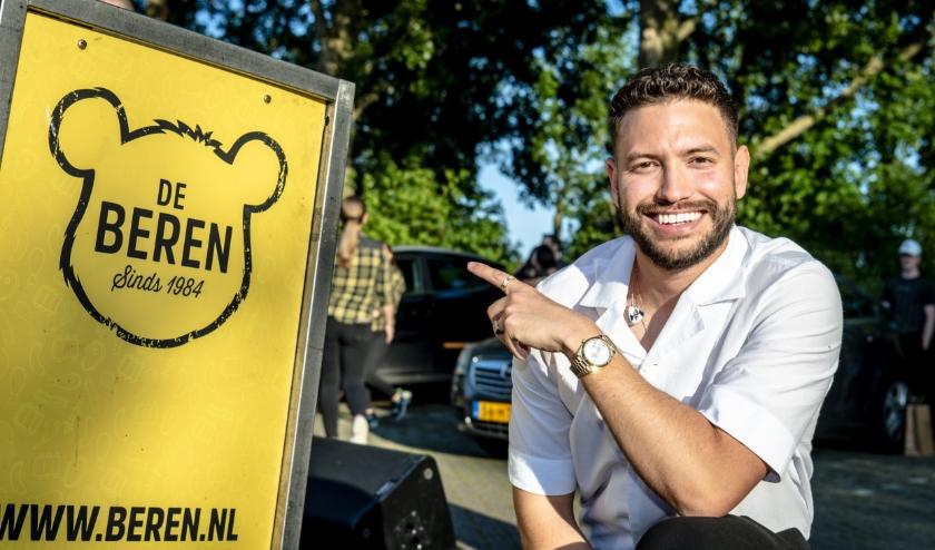 De Beren Drive Thru in Barendrecht met o.a. Rolf Sanchez