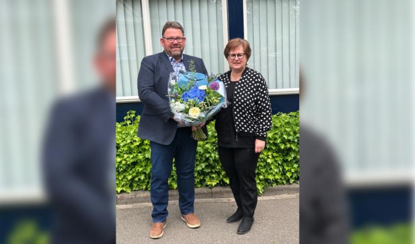 Bas Hooghwerff viert zijn 50-jarig jubileum met zijn vrouw Marian. (foto: Alie 't Hooft)