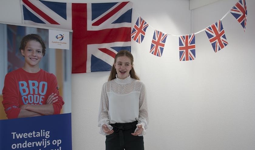 Vera tijdens de Junior Speaking Contest