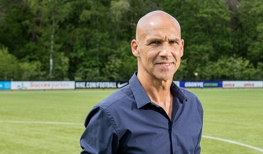<p>Bij acht stafleden van Vitesse, waaronder ook hoofdtrainer Thomas Letsch (foto), is het coronavirus vastgesteld </p>
