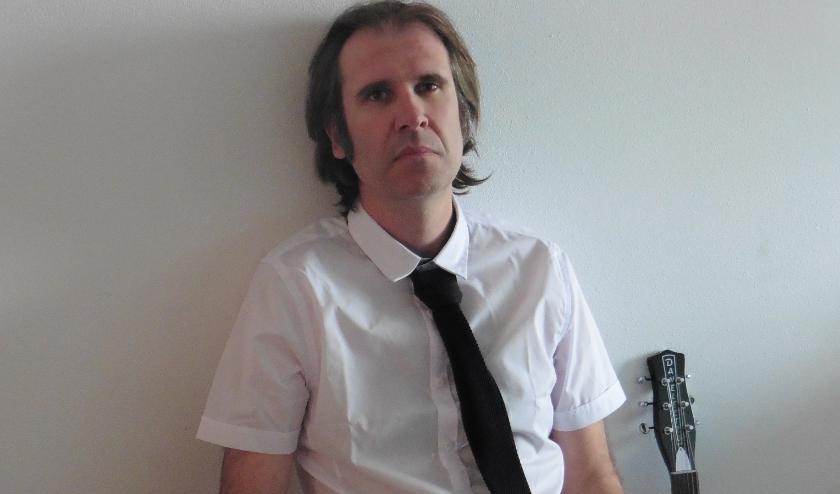 Zanger/Tekstschrijver Peter Migchelbrink.