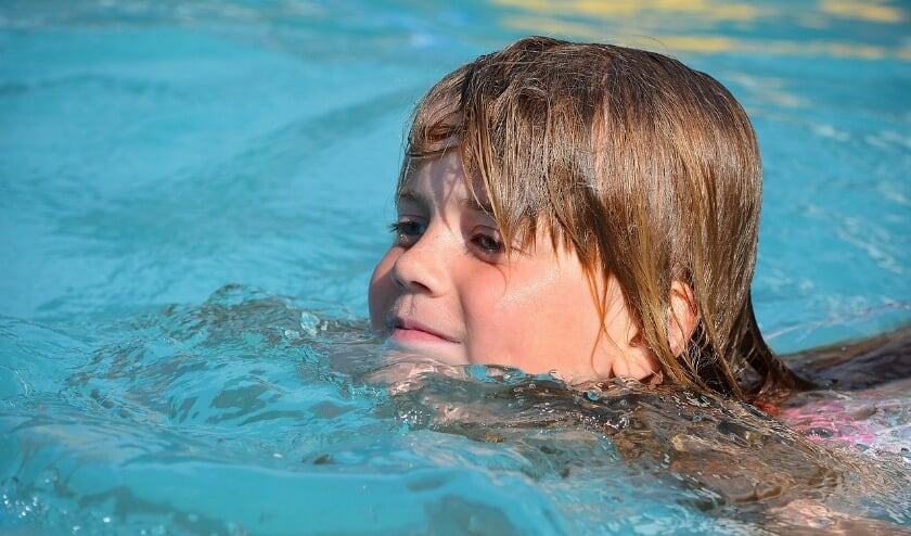 <p>Kinderen met een moeilijke financi&euml;le thuissituatie kunnen hun zwemdiploma halen met de 1800 euro van de ondernemersvereniging. Foto ter illustratie&nbsp;</p>