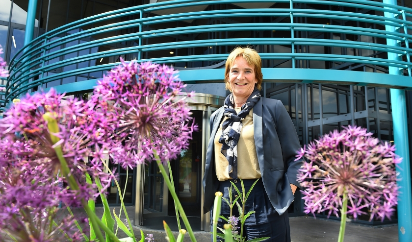 De nieuwe wethouder van Oude IJsselstreek, Marieke Overduin. (foto: Roel Kleinpenning)