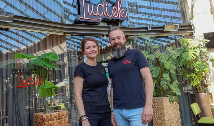 """Jeroen en Patricia Verhagen van Brasserie Ludiek over Brasserie Ludiek: """"Een gastvrije omgeving met weinig spelregels."""" FOTO: Bert Jansen."""