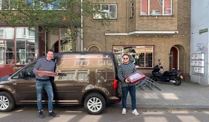 Yannick helpt Sam van De Burgerij Tilburg