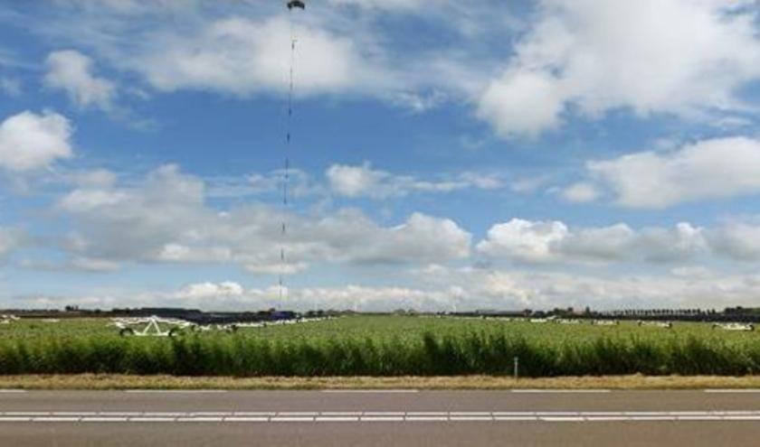 Energievlieger en mobiele zonnepanelen in de polder.
