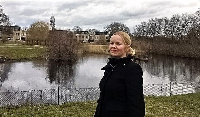 Barbara van Essen die best wat veranderingen wil zien in de Veenendaalse wijk Petenbos.