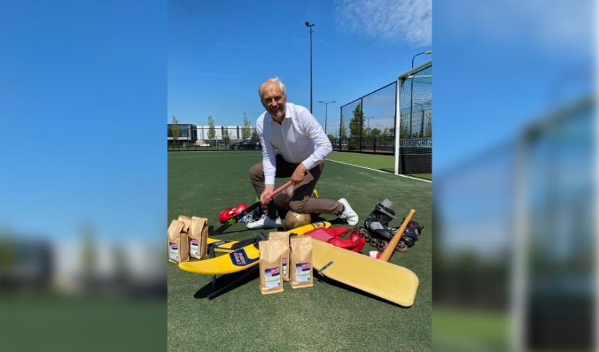 Directeur Herbert Stronk van De Koffieboer daagt sportief uit.