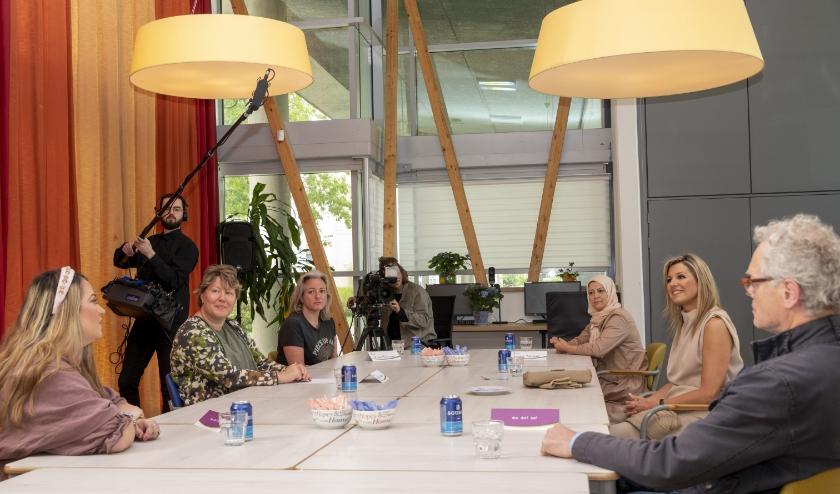 Koningin Máxima sprak met familieleden en leden van de cliëntenraad.