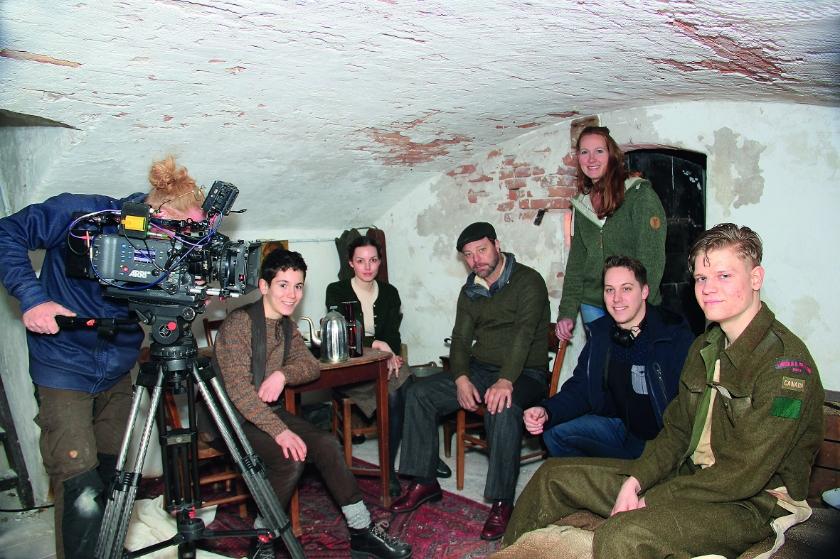 De opnames van de film van Sascha Wensveen en Paul Haans in maart in Loo.