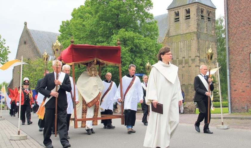 Archieffoto van de processie in Groessen uit 2013.