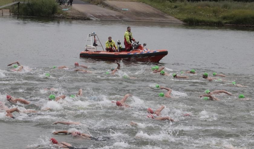Helaas geen zwemwedstrijd Beusichem-Culemborg. Hoewel velen zich hadden aangemeld, moest het afgelast worden.