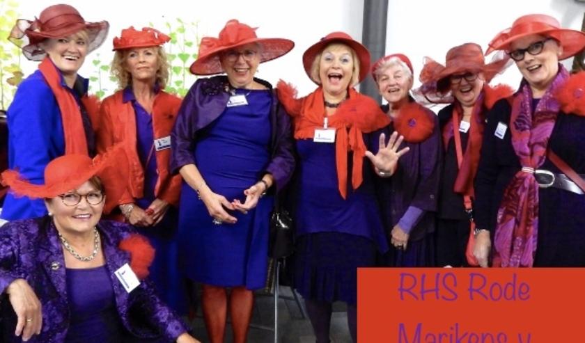 Leden van Red Hat Society Rode Marikens van Nimwegen tijdens het vijfjarig bestaan in september 2019.