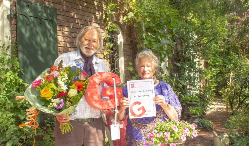 Cor Swanenburg wint De Zachte G-prijs 2020, die hij samen met zijn echtgenote in ontvangst neemt. FOTO: Erfgoed Brabant.