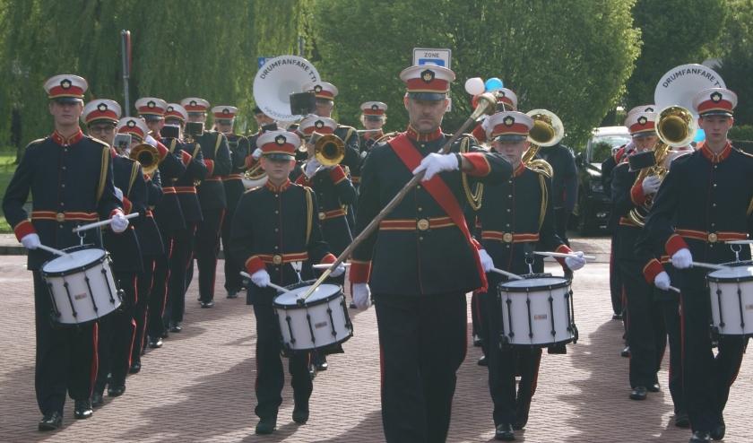 Met het aanschaffen van een uniform van Drumfanfare TTH heb je altijd een pak historie om aan te trekken