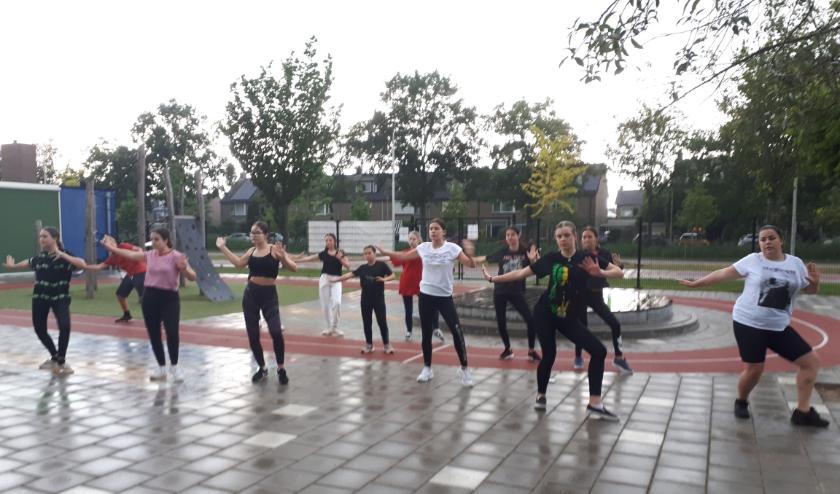 Regen of niet, er wordt gewoon hard gewerkt en geoefend bij Balance'th.
