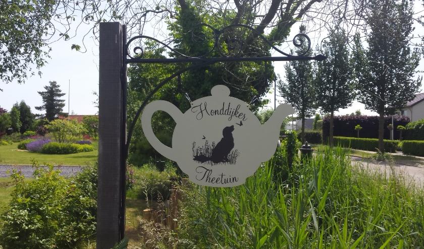 Uithangbord van de theetuin aan de Honddijk te Culemborg
