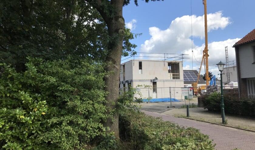 Ondanks dit bouwproject aan de Kerkstraat te Westerhoven is er een groot tekort aan betaalbare woningen in Westerhoven. Foto: Studio B.E.V.