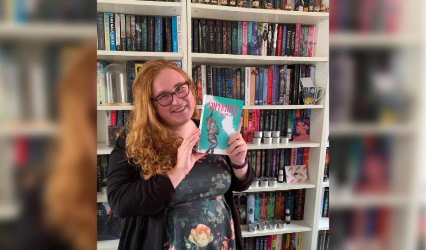Emmy van Ruijven schreef het boek 'Supernerd' en bracht dat onlangs uit.