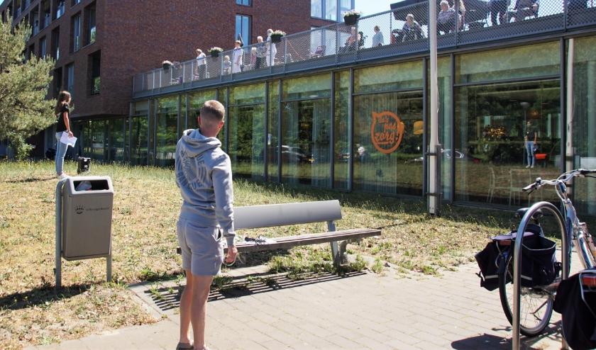 Buurtsportcoaches trekken door Den Bosch en Rosmalen om ook de ouderen aan het bewegen te krijgen.