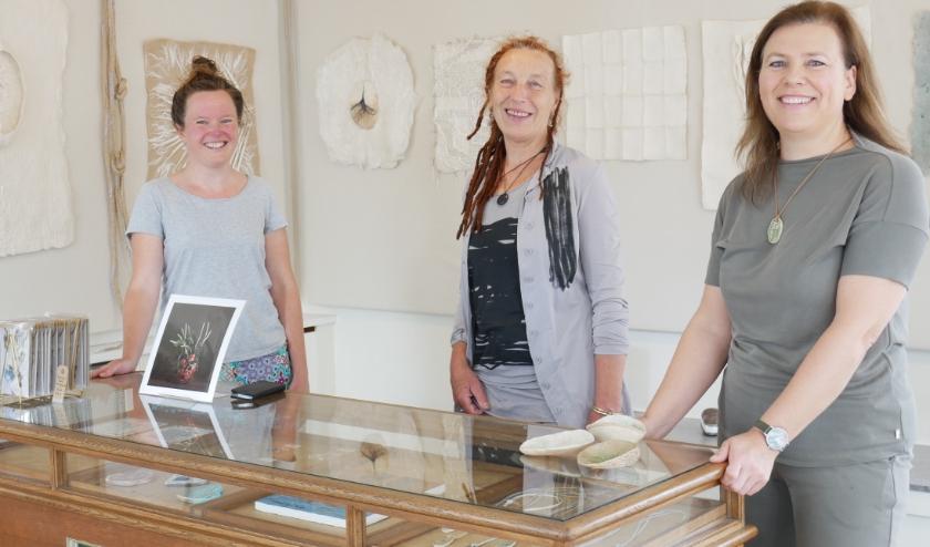 V.l.n.r: Margo, Jozé en Esther, drie Dorpsstraat-ondernemers.