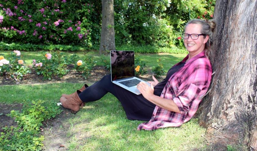 Annemarie Mooren werkt tijdens de coronacrisis als 'zelfvoorzienend' documentairemaakster FOTO; Morvenna Goudkade