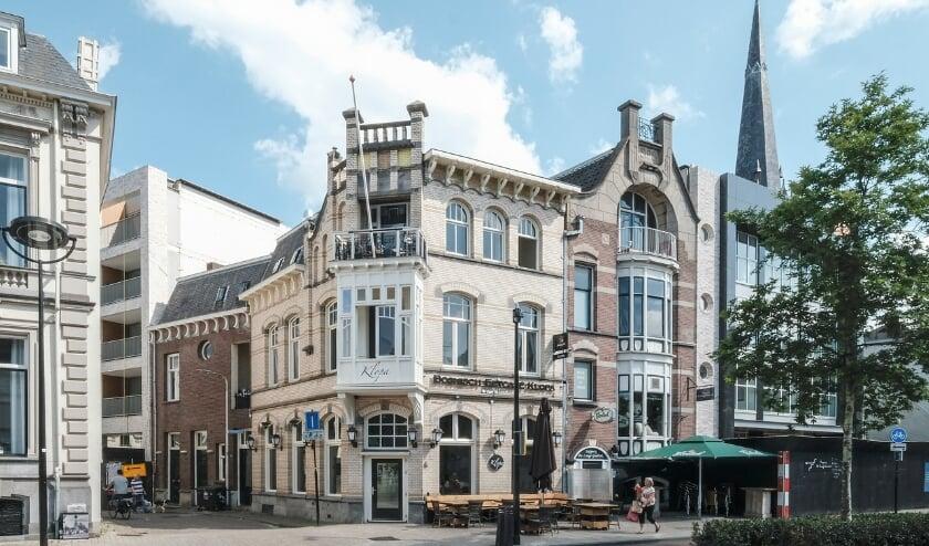 Het pand is gebouwd in de stijl van de Jugendstil en is een rijksmonument.
