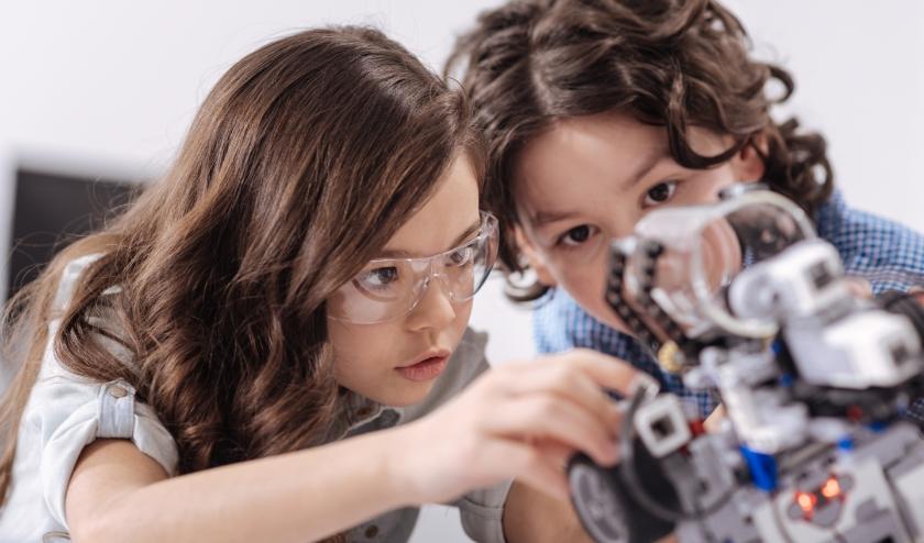 Hangar21 daagt jongeren uit hun techniektalent te ontdekken en te ontwikkelen.