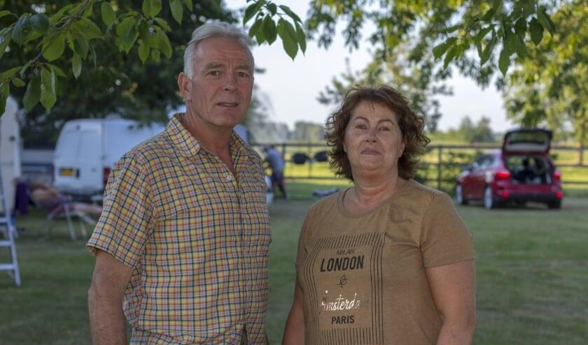 Marian en Ton van den Bosch van minicamping De Boschhof werden in maart overvallen door het coronavirus. (foto: Bas Bakema)