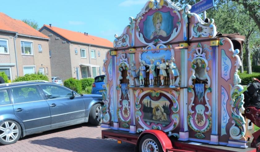 Voor het eerst in jaren weer eens een draaiorgel in de straten van Maasdam.