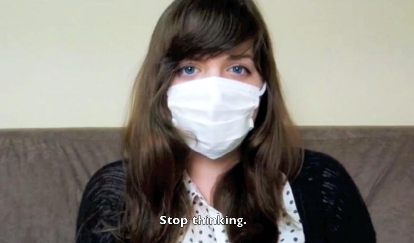 Still uit de video 'Hapiness'.