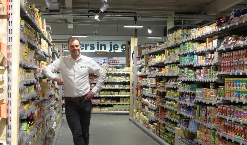 Hubert Duijzer is ontzettend trots op zijn verbouwde supermarkt. De Plus in Brakel heeft nu de Plus Briljant 2.0- formule. Woensdag is de supermarkt vanaf 08.00 uur geopend.