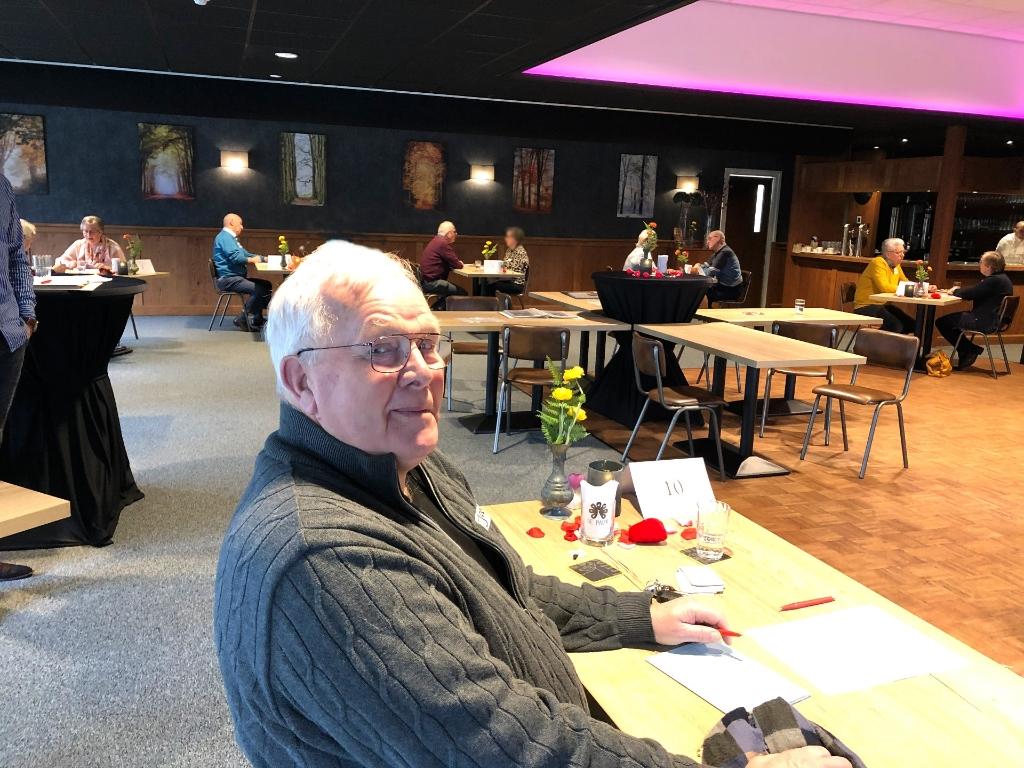 Foto: Speeddaten voor senioren in The Hangar Teuge door www.DatingOost.nl © DPG Media