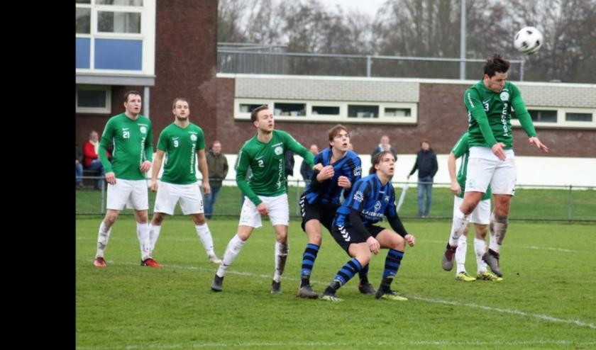 ''Rob Nagtegaal, Bram Egberts, Jimmy Nieumeijer en Jorn Poelwijk blijven Aarlanderveen wél trouw.'' Foto: Ed Nagtegaal