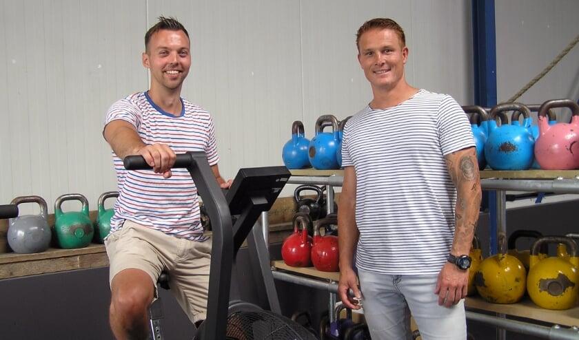Tim van Beek (l) en Tjarko Tuinstra zijn blij dat ze weer kunnen sporten. (Foto Gerreke van den Bosch)
