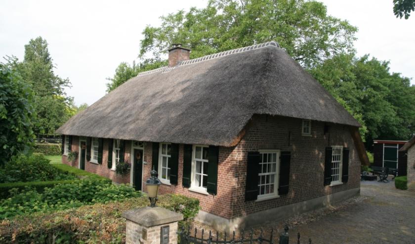 Het huisje links (nr. 9) is gebouwd in de 18e eeuw, het rechtse (nr. 7) uit de 19e . Daarnaast heeft vroeger ook nog een derde huisje gestaan. Meer info:   www.heemkundekringtilburg.nl