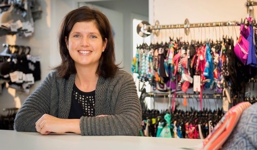 Simone Nieuwenhuijze is de derde generatie in Speciaalzaak Simon. FOTO: PR