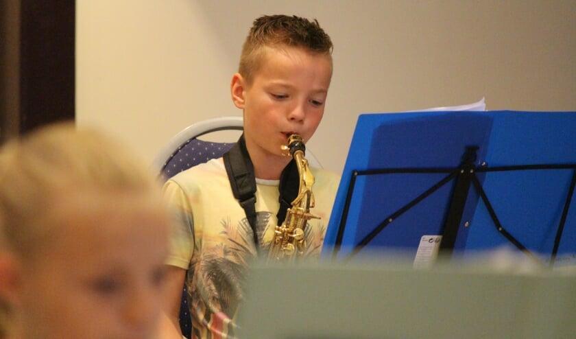 Muzikanten van Jubal kunnen weer repeteren, onder wie Niek Goldewijk. (foto: Judith Krajenbrink)