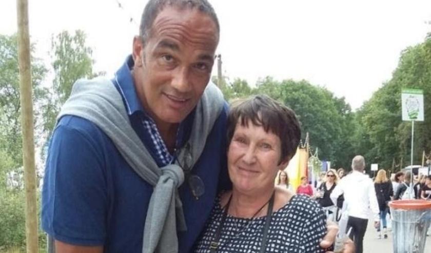 Marjan met bokser Arnold van der Leije