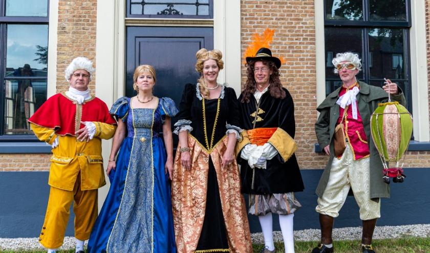 Feis in de pose van Prins Willem III, hierbij samen met Wilhelmina van Pruisen voor de Prinsessenboerderij in Hekendorp