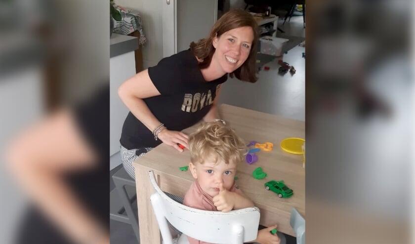 Rianne Geerligs helpt door kinderen uit andere gezinnen af en toe op te vangen